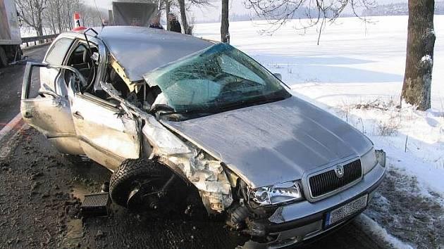 Auta po hromadné srážce mezi Studenou Loučkou a Mohelnicí v pondělí 21. prosince
