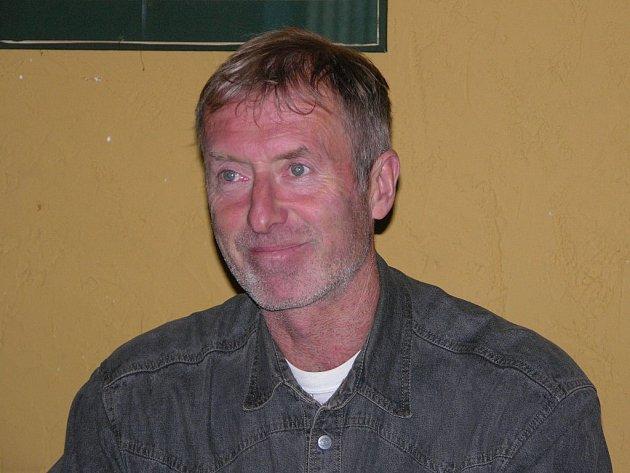 Trenér Draků Jindřich Setikovský měl přes prohru svého týmu i důvody k radosti.