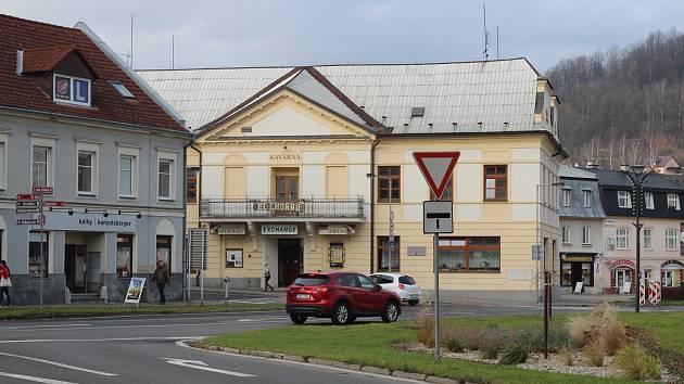 Současná podoba křižovatky u hotelu Praděd
