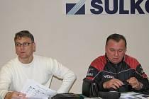 Kouč Sulka Jiří Balcárek (vlevo) a Lubomír Hrdlovič, sportovní manažer klubu.