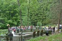 Lesní hřbitov Borek u Bělé pod Pradědem se dočkal obnovy.