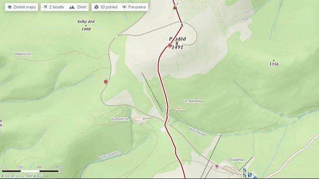 Jediná legální přístupová cesta na Praděd protíná hranice okresů Bruntál a Šumperk