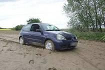 Vůz, se kterým ujížděl zloděj dopadený 21. května na Mohelnicku