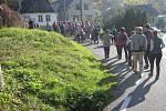 Otevřít a projít novou naučnou stezku  si v  sobotu 26. října ve Svébohově nenechali ujít domácí ani přespolní. Hlad poté zahnali na vyhlášených bramborových hodech.