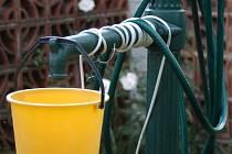 Některé obce budou brzy řešit problém, jak zajistil lidem pitnou vodu.