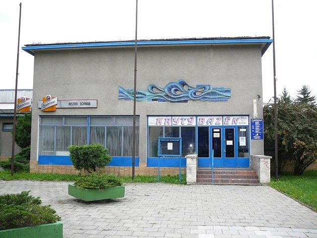 ZAVŘENO. Provoz krytého bazénu v Zábřehu skončil ze dne na den 16. května.