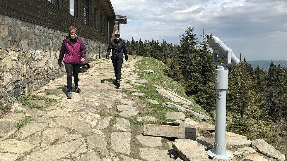 Turisté v Jeseníkách, květen 2020