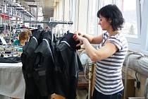 V Jesenické továrně Tex Trading Cavaliere se rozjela výroba konfekce.