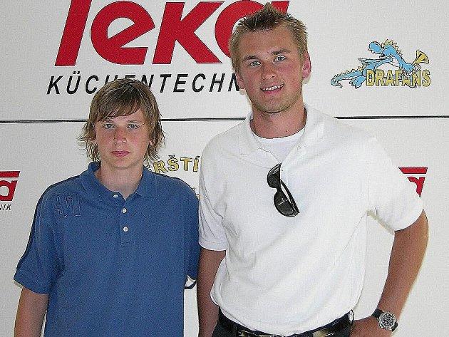 Denis Kindl a jeho bratr Jakub Kindl (zleva) na tři roky starém snímku