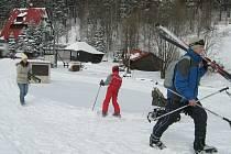 Sněhu je na Miroslavi stále dost