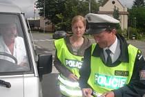 Na Temenické ulici školáci kontrolovali auta.