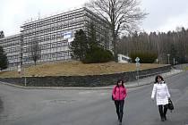 Administrativní komplex v Jeseníku zvaný Pentagon prochází rekonstrukcí.