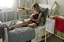 Jesenickou porodnici vyhledává stále více matek.