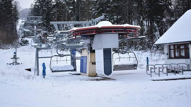Lyžařský areál Příčná ve Zlatých Horách.