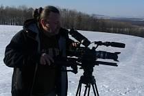 Dokumentarista Marek Dušák žije v osadě Kamenička u Bílé Vody.