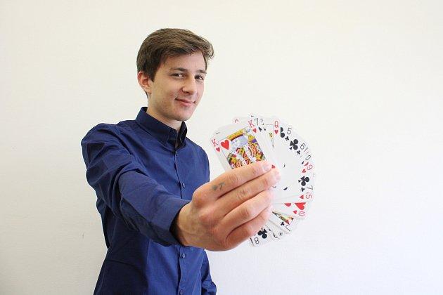 Šumperský kouzelník Adam Kotinský.