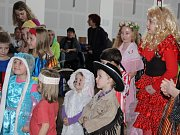 Tradiční bál v Zašové pořádal folklorní soubor Soláň už po dvacáté