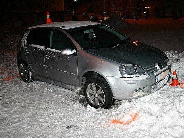 V tomto autě našli policisté spícího opilého šoféra