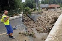 Velká voda napáchala na Jesenicku (na snímku je most v Bukové) velké škody