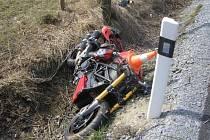 Řidič motocyklu havaroval u Mikulovic.