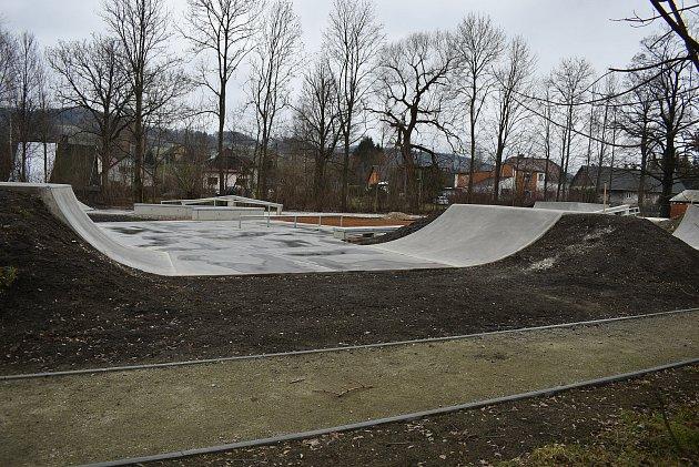 Skatepark vJeseníku před dokončením.