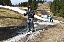 První a poslední lyžování na Červenohorském sedle v zimní sezoně 2020/2021, 10. května 2021.