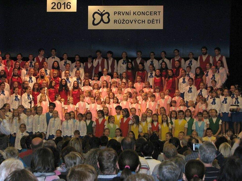 Šumperský dětský pěvecký sbor Motýli v Domě kultury Šumperk.