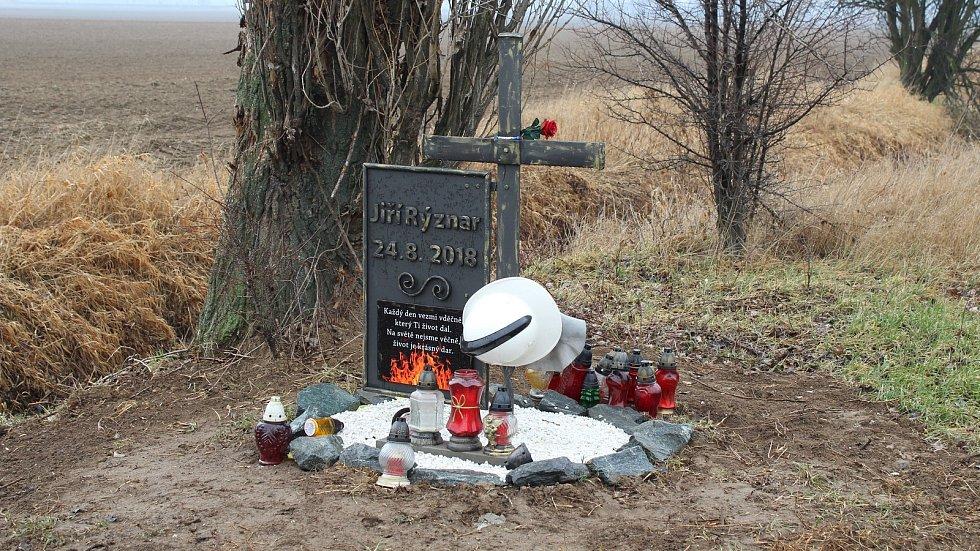 Místo tragické nehody hasičské cisterny u Libivé na Mohelnicku.