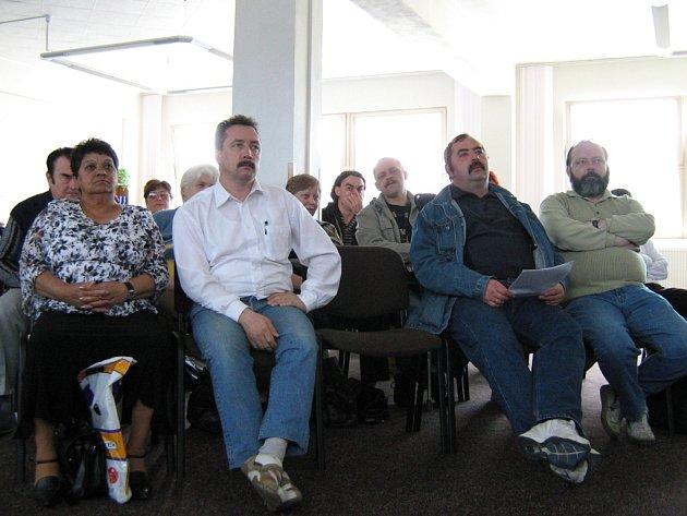 Zaměstnanci Orfidea podali proti postupu jesenického úřadu práce protest, který posílají na ministerstvo práce a sociálních věcí, poslancům a na další instituce.
