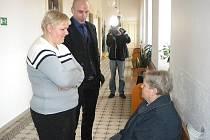 Lenka Vaňková (vlevo) se svým advokátem Stanislavem Bodlákem