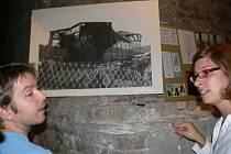 Obrazy Pavla Skrotta na první pohled připomínají velké fotografie.