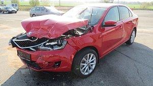 V Zábřehu v křižovatce bourala auta, jeden řidič se zranil