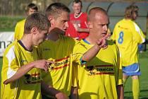 Fotbalisté Štítů (snímek je z jarní části uplynulé sezony) se chystají na vstup do vyšší soutěže