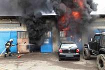 Požár garáží v ulici ČSA v Zábřehu.