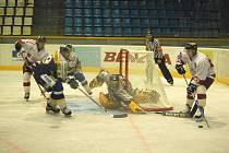 Snímek z utkání Olomouce a Šumperka v srpnu. Šumperk vyhrál 4:3 a pro Draky to bylo poslední vítězství v přípravě.