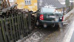 Nehoda mladé řidičky fabie v Libině