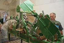 Návštěvníci šumperské radnice mohou obdivovat zrenovovaný hodinový stroj.