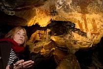 Jeskyně Na Špičáku. Restaurování historických nápisů a maleb. Slavnostní otevření.