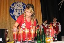 Při barmanských soutěžích záleží nejen na fantazii a preciznosti, ale i na soustředění.