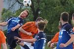 Fotbalisté Zábřehu (v modrém). Ilustrační foto