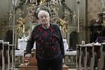 Pavel Burian je kostelníkem v Kopřivné tři čtvrtě století.