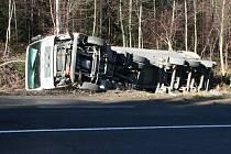 Řidiče na Jesenicku ve čtvrtek 15. listopadu zaskočilo náledí.