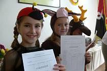 Školáci v Dolních Studénkách dostávali vysvědčení