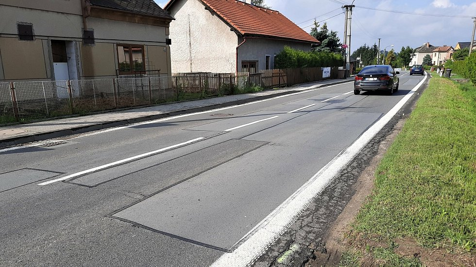 Úsek silnice v Bludově, který čeká oprava.