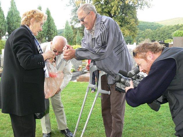 . Závěr dokumentu o masakrů nevinných civilistů z řad Němců natočili jeho tvůrci včera v Leštině.