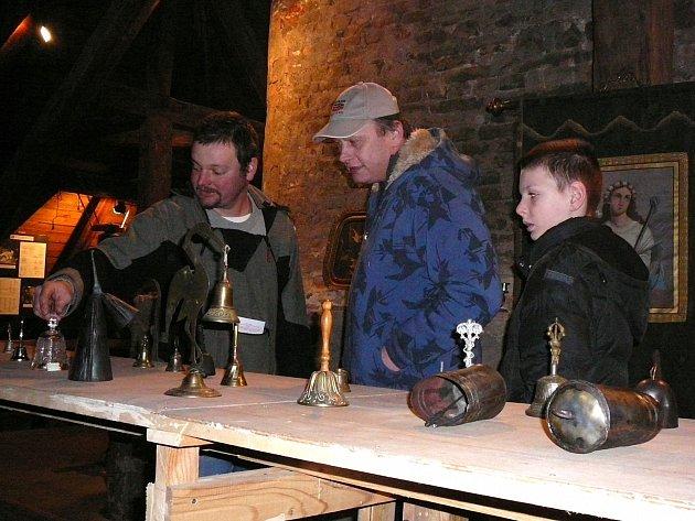 Výstava zvonků v zábřežském farním muzeu.