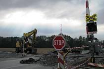 Do středy 14. října do 20 hodin motoristé kvůli rekonstrukci tratě neprojedou přes železniční přejezd u bludovských lázní. Následovat bude uzavírka přejezdu u zastávky v Bohutíně.