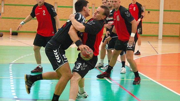 Snímek z podzimního utkání Šumperku s Náchodem (červené dresy)