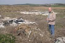 Starosta Líšnice Miroslav Stratil při prohlídce skládky