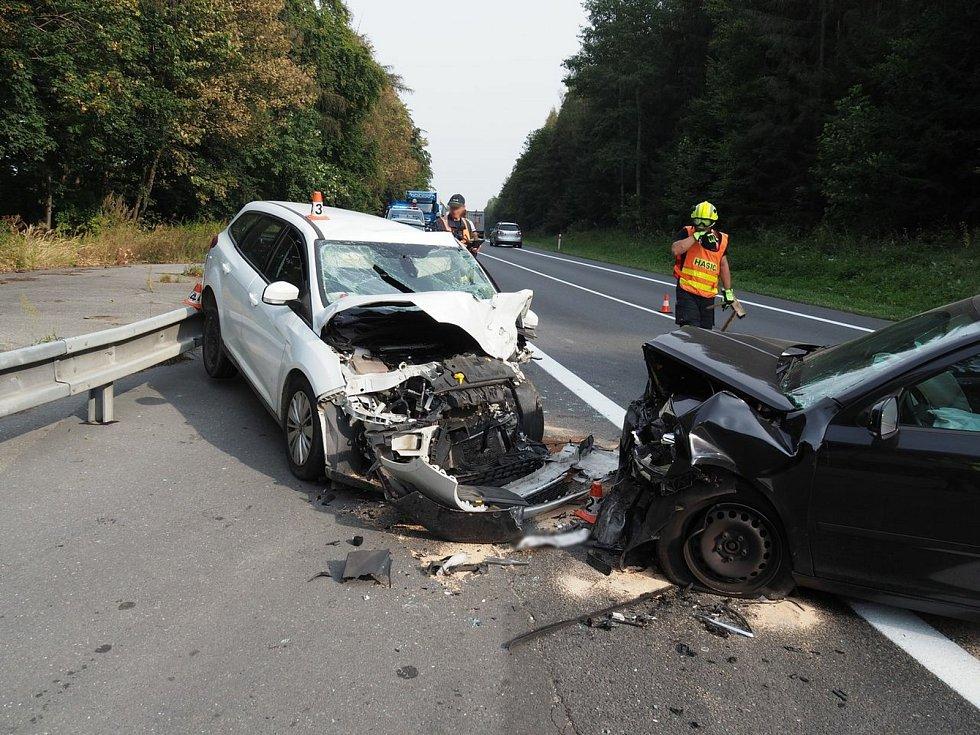 Havárie na silnici I/35 u Studené Loučky.